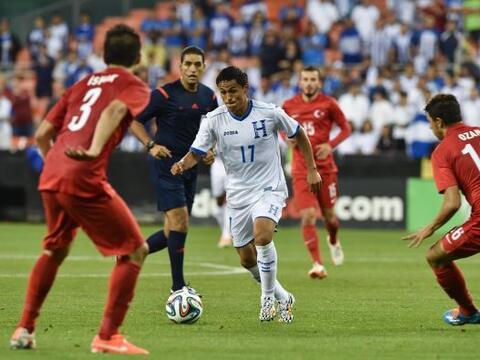 Honduras se estrelló ante un equipo con buen oficio como Turqu&ia...