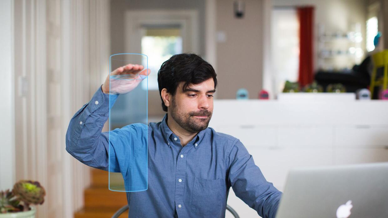 El Hayo tiene visión 3D que le permite convertir cualquier parte de una...