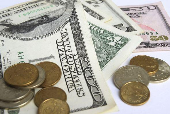 BANCOS - El total de quiebras de bancos en Estados Unidos cayó en 2011 r...