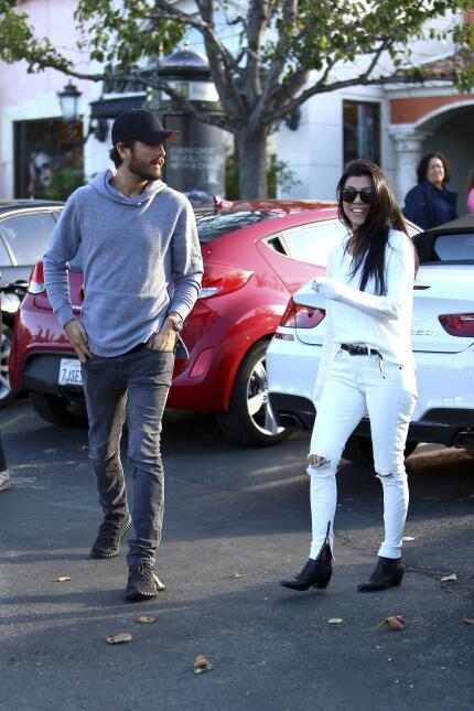 A pesar de sus problemas maritales, los famosos se reunieron.