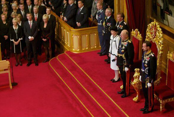 El Registro Mercantil, el Tribunal de Cuentas y el Parlamento de Noruega...