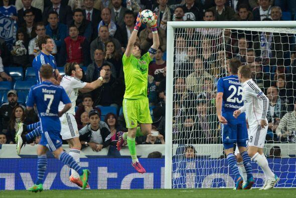Las oportunas atajadas de Casillas salvarían al Madrid del ridiculo y de...