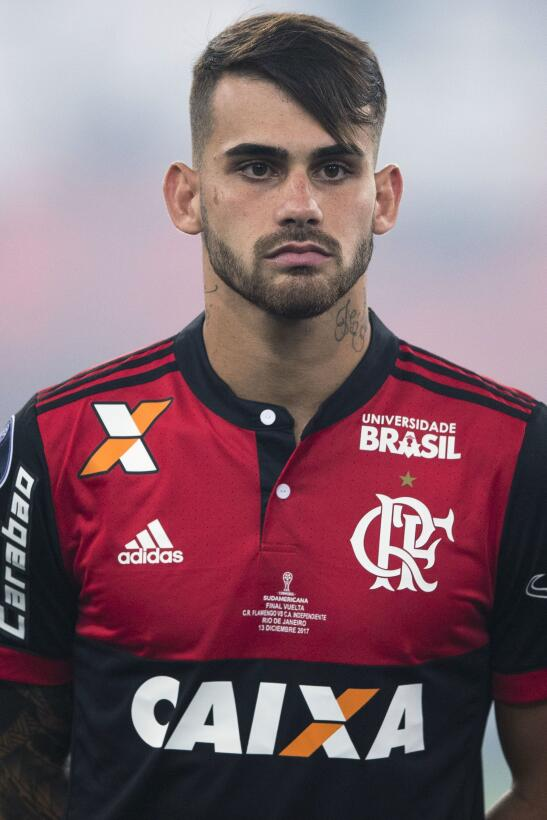 En Brasil se está hablando de la posibilidad de que Felipe Vizeu pase de...