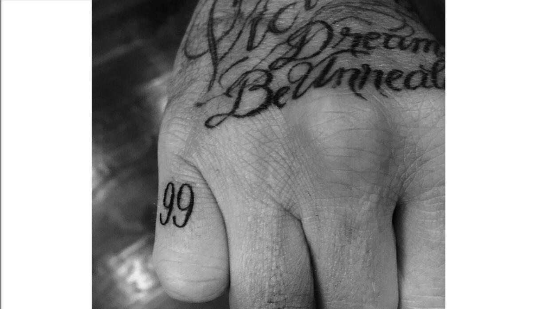 Tatuaje en honor a su esposa