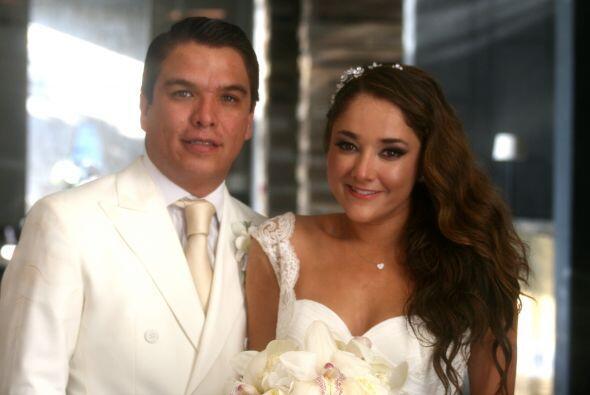 Gerardo quedó sin habla ante la belleza de su novia.