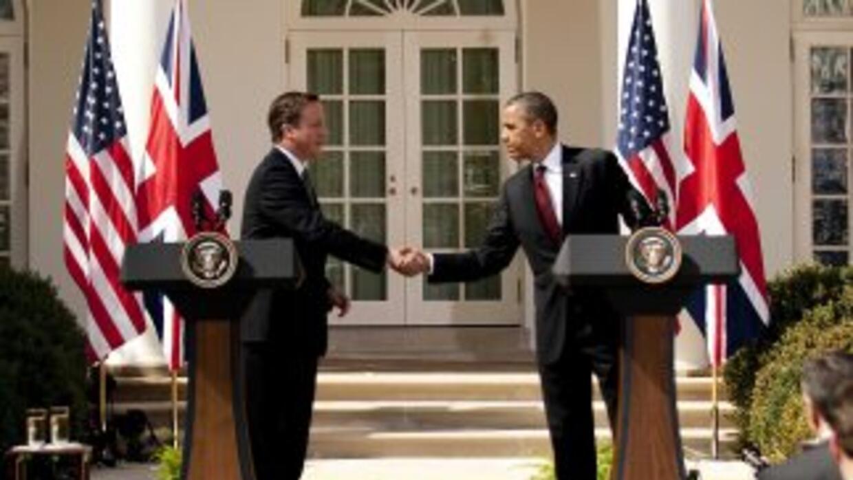 Barack Obama recibió en la Casa Blanca al primer ministro de Inglaterra...