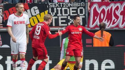 Colonia 0-2 Bayer Leverkusen: 'Chicharito' sentenció y Bayer se llevó su 'derby'