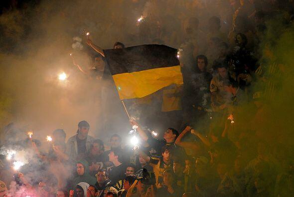 En tanto en Montevideo el estadio Centenario fue otra vez una fiesta con...