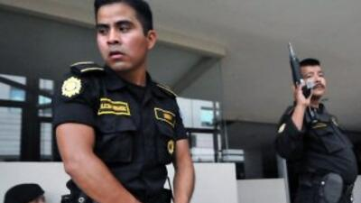 La Policía Nacional Civil de Guatemala capturó a dos niñas sicarias.