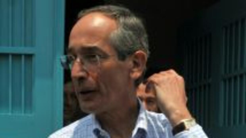 El presidente de Guatemala, Alvaro Colom, informó que las autoridades de...