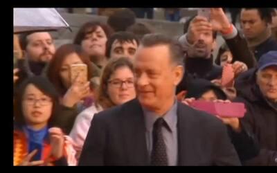 Tom Hanks se lamenta por el Aston Villa y bromea sobre apuesta a favor d...