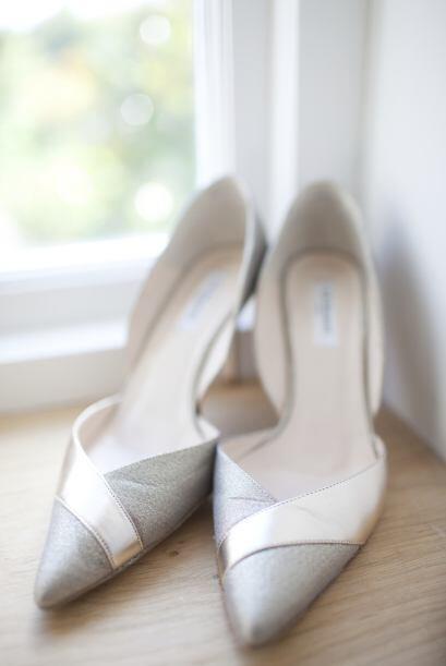 Te permitirá mostrar el arco del pie por tener uno o dos lados co...