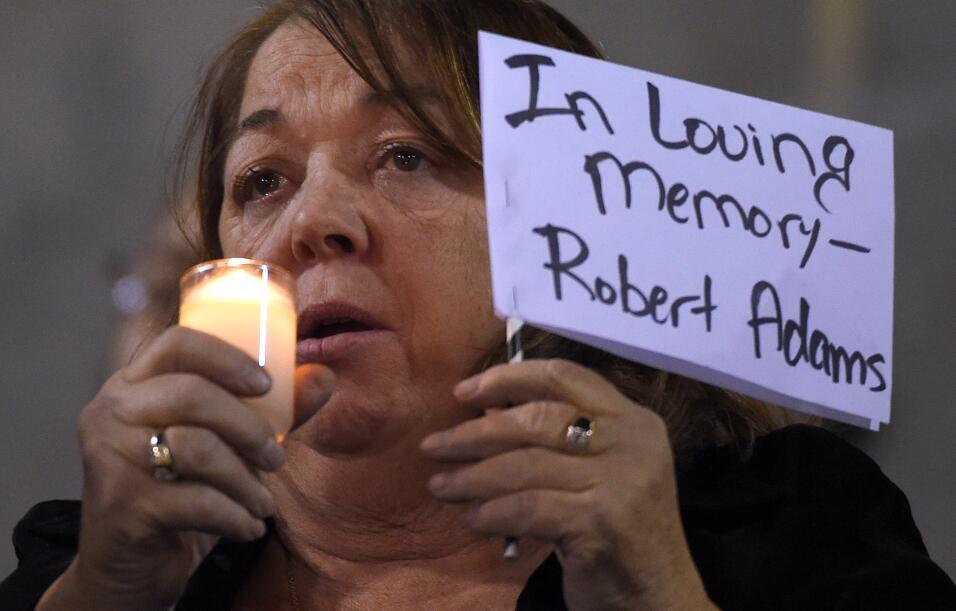 Las víctimas hispanas de tiroteo en California  vigilia18.jpg