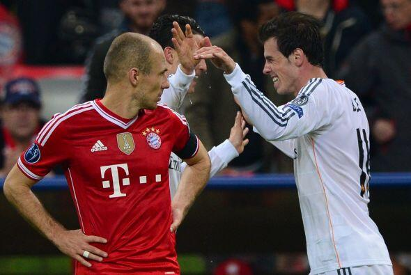 Bale (7): Inició fuerte el partido, con un disparo desde lejos tras una...