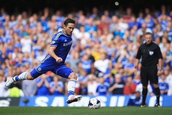 El partido arrancó y Frank Lampard se dio el lujo de fallar un penalti a...