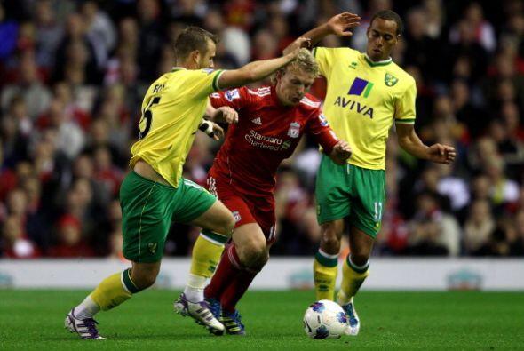 La pelota siempre estuvo en los píes de los jugadores del Liverpool.