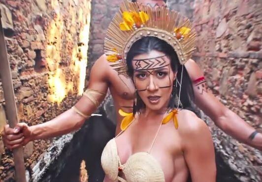Cuando la venezolana fue a México le mandó un mensajito al cantante.