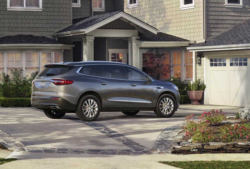 Esta es la Buick Enclave 2018 en fotos 2018-Buick-Enclave-002.jpg