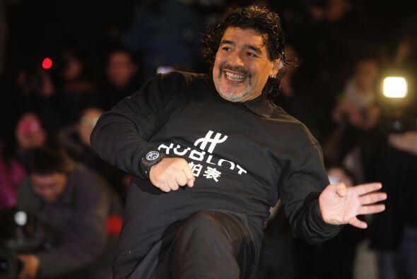 En 2010 la Guardia de Finanzas italiana confiscó a Maradona unos pendien...