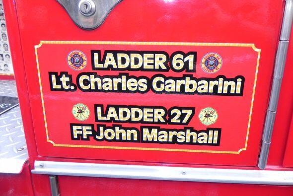 Carro bombero recuerda a sus caídos el 9/11 9b0ba4c89841491cb6b3c55e06c6...