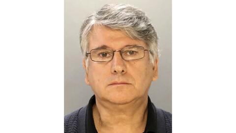 El médico Ricardo Cruciani ha sido denunciado por abuso sexual en...