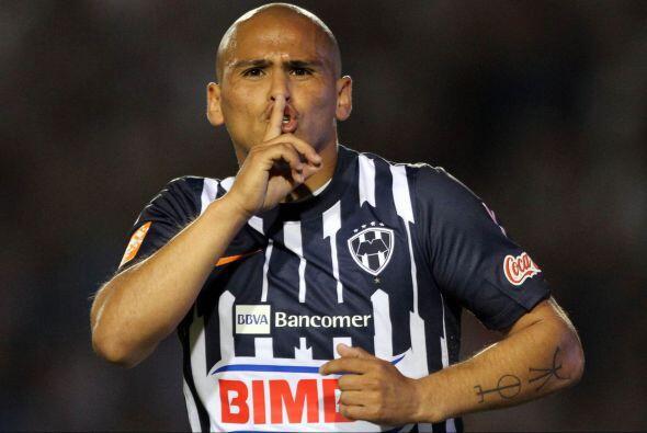 ¿Podrá Suazo callar a los del Santos, o será que Oswaldo terminará feste...