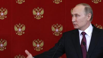 Vladimir Putin sigue sin creer que su aliado, el presidente al-Asad, sea...