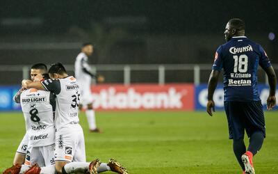 Querétaro 2-0 DC United: Gallos Blancos se complica pero logra sacar el...