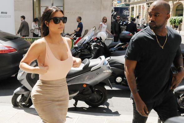 Kanye se puso nervioso con el escote de su mujer.Mira aquí lo último en...