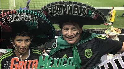Conoce a Caramelo: el fan más 'pegajoso' de la Selección Mexicana