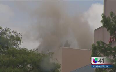 Un incendio en el Paseo del río provoca la evacuación del centro comerci...