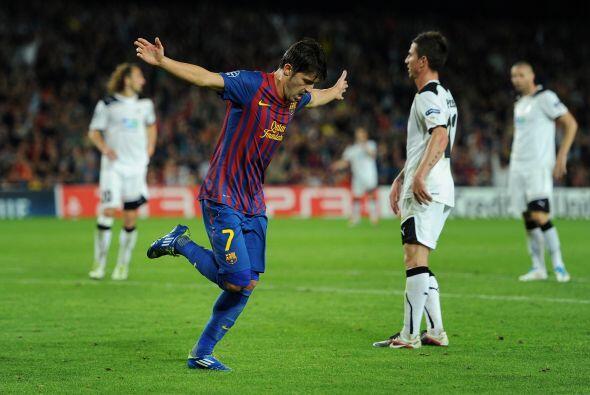 Messi no pudo rematar y el 'Guaje' entró con todo para poner el resultad...