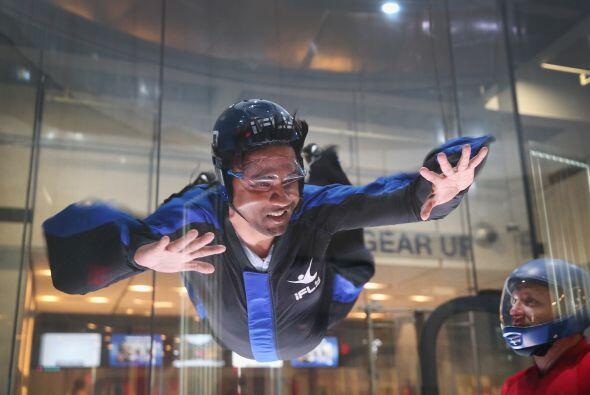 iFLY  es un simulador de paracaidismo bajo techo. Donde realmente vuelas.