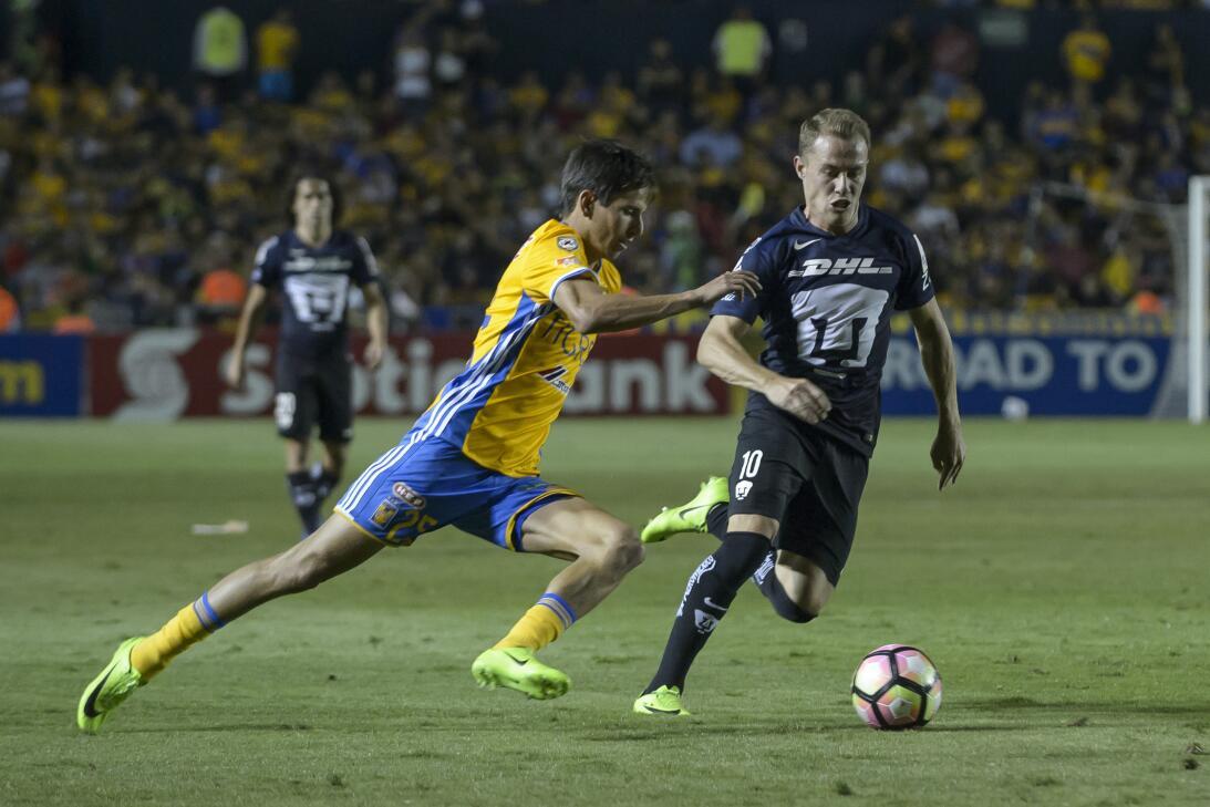 Pumas y Tigres dejan emparejada la serie en la ida de la Liga de Campeon...