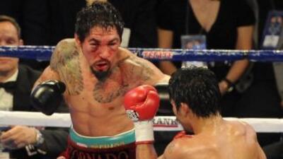 Antonio Margarito sufrió por 12 rounds la golpiza que le propinó Manny P...