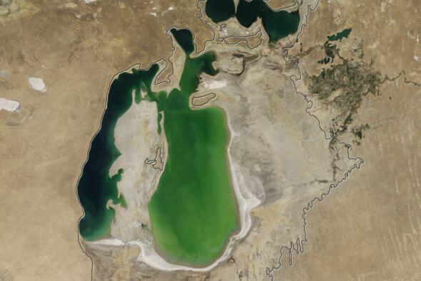 El lago se ha estado desapareciendo por los últimos 60 años, desde que l...