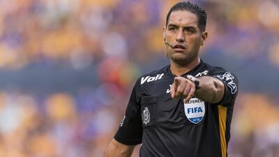 Así fue la polémica actuación arbitral de Roberto García en el Tigres vs. Toluca