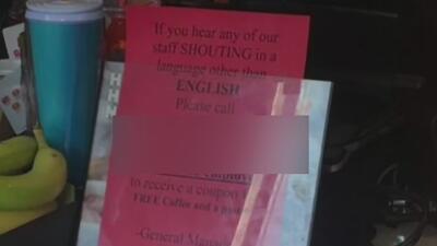 Retiran letrero de un Dunkin' Donuts que invitaba a denunciar a personas que no hablaran inglés