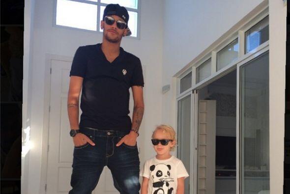 Neymar Jr. no podía faltar al compartir un momento de sus días de descan...