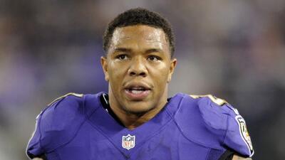 El corredor de los Ravens sigue en conflictos legales (AP-NFL).