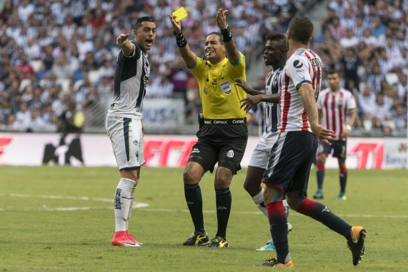 Monterrey aplastó al campeón Chivas y es líder general 20170812_3619.jpg