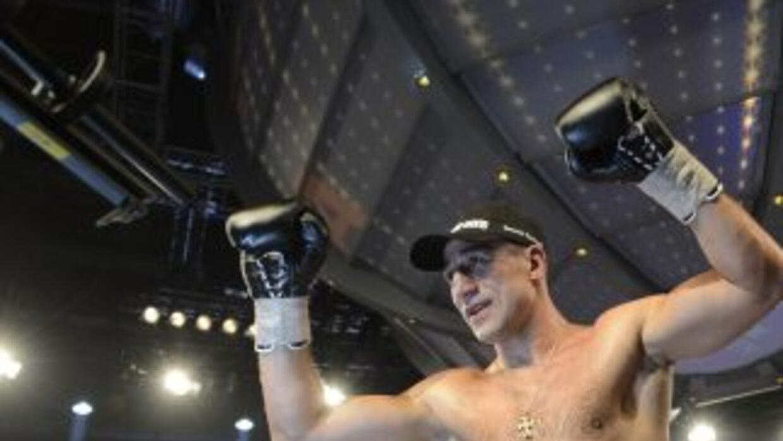 Arthur Abraham vuelve a ser campeón súper mediano de la OMB.
