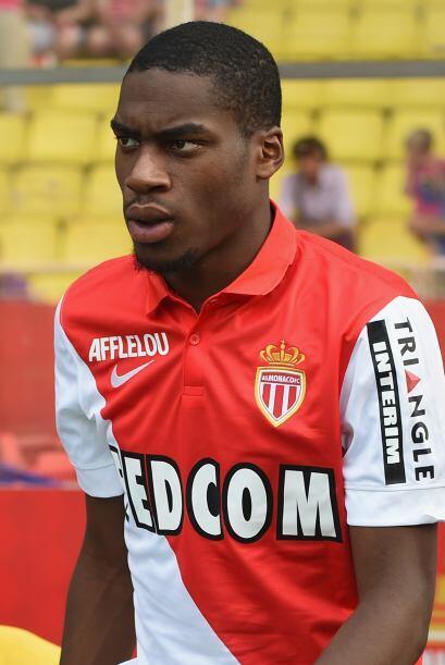 Geoffrey Kondogbia ha sido vinculado con el Barcelona por si falla en su...