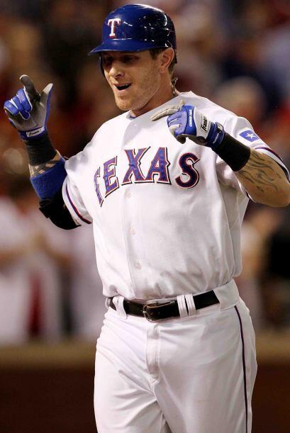 7 - Josh Hamilton le da vitalidad a la ofensiva de los Rangers y los fan...