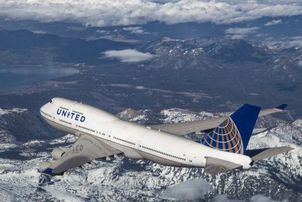 El recorrido entre Newark, USA y Hong Kong es de 12.980 kilómetros. Tard...