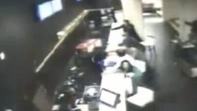 Varios videos de cámaras de vigilancia muestran el momento en que ocurri...