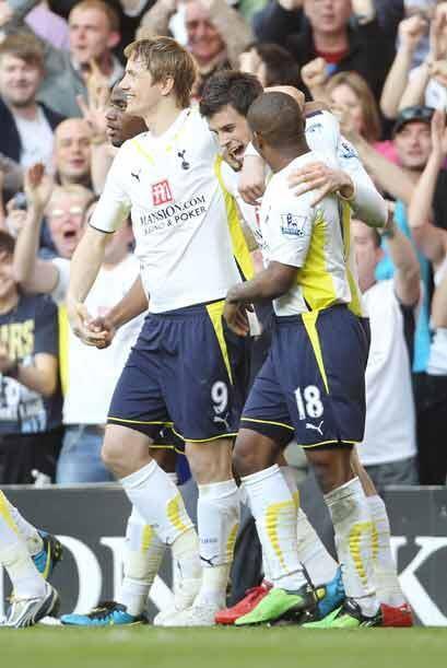 En el mismo primer tiempo Gaerth Bale amplió la ventaja del Tottenham.