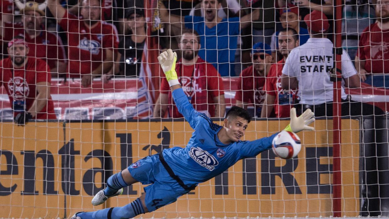 Jesse González atajó dos penales en la definición.