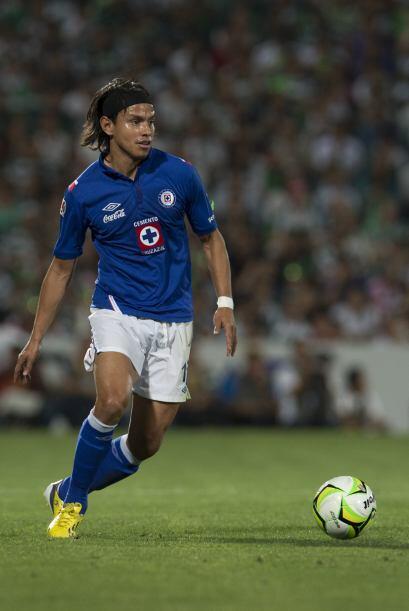 Gerardo Flores.- El defensa de Cruz Azul ha vuelto de su lesión y Luis F...