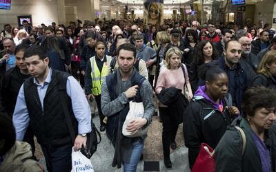 Horas después de que se haya declarado a la MTA en estado de emergencia,...